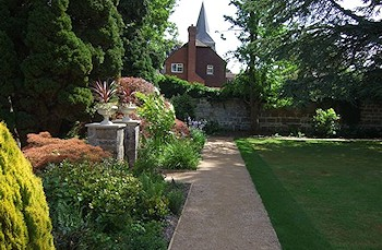 Looking after town gardens in Crowborough and Rotherfield